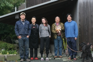 Suzuki family and Tatsuki Nakahara, at their beautiful home in Assabu.